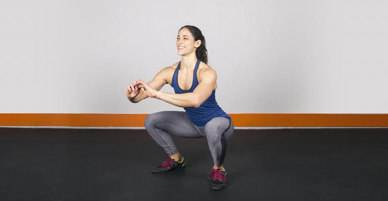 Приседание с собственным весом тела